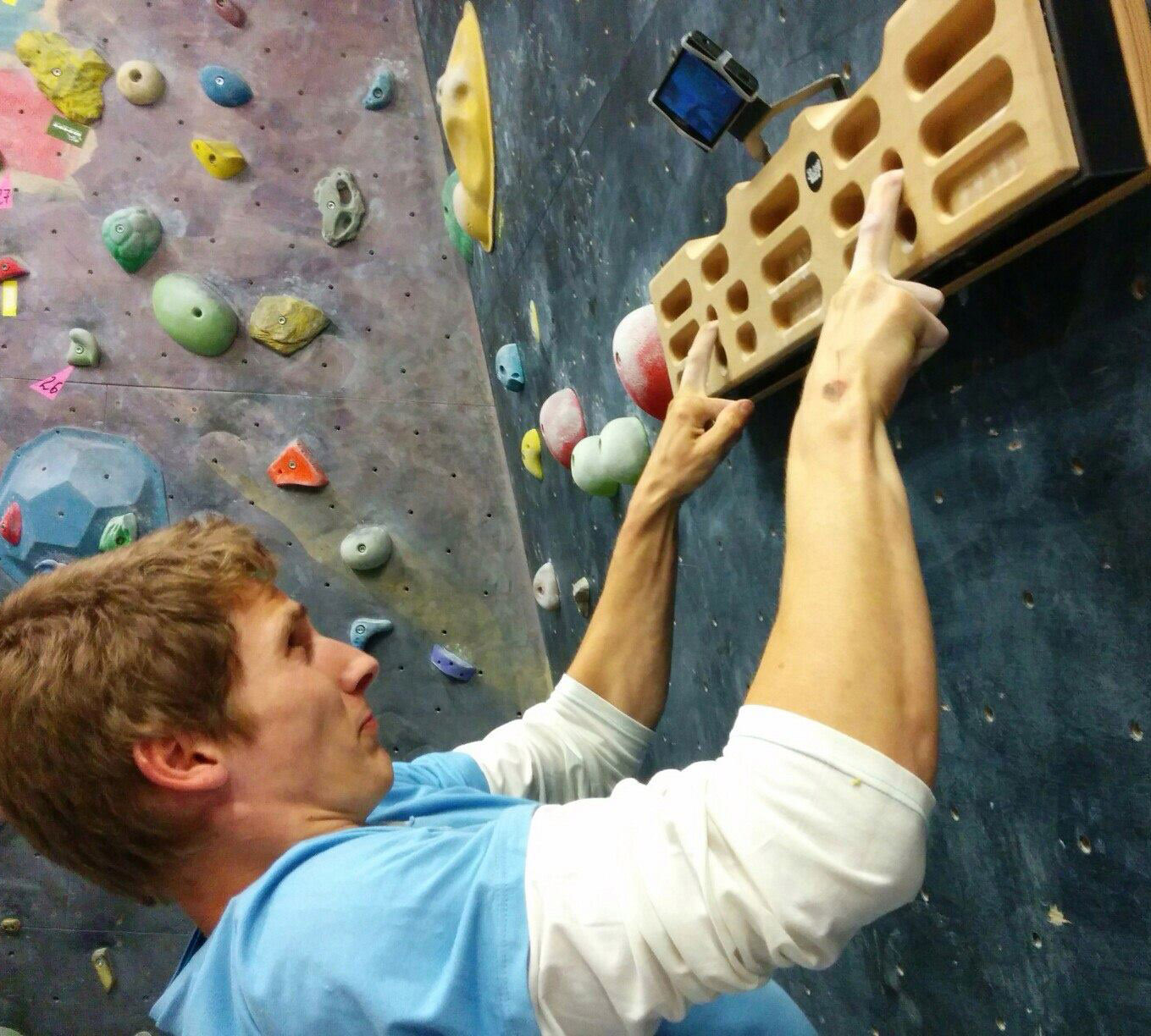 intro to fingerboard training - training for climbing
